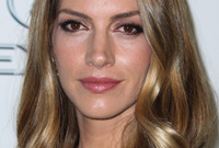 Dawn-olivieri-shoulder-length-hairstyles-side